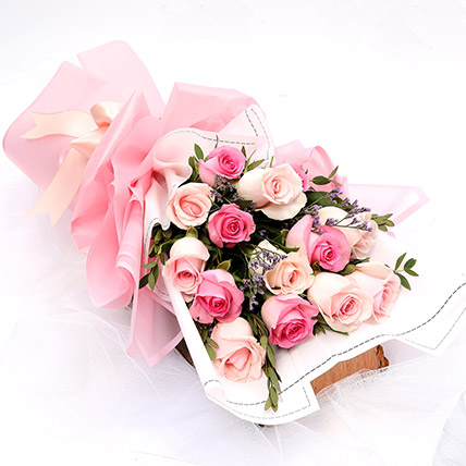 dreamy mixed roses bouquet for corporate